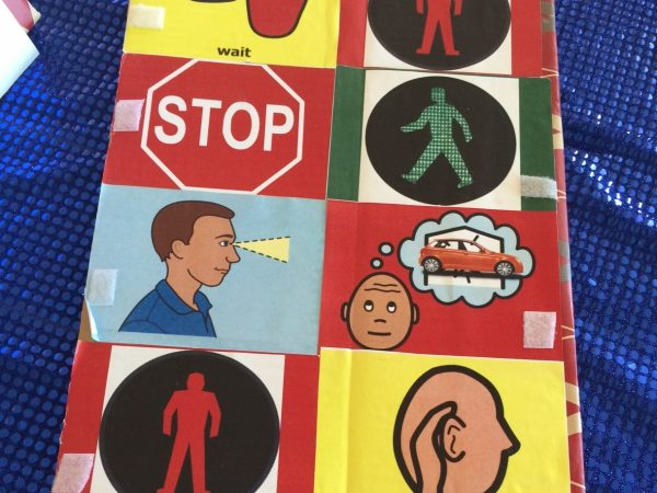 Large visual symbols about traffic awareness
